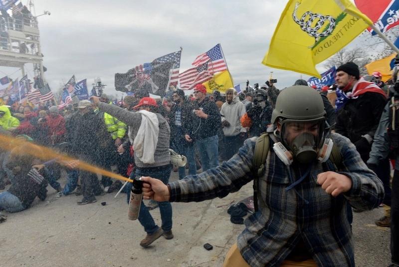 अमेरिकी संसदमा हिंस्रक झडप, मृतकको संख्या चार पुग्यो !