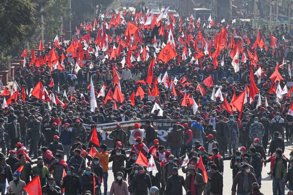 संसद पुनःस्थापना विजय र्याली निकाल्दै प्रचण्ड–नेपाल समूह